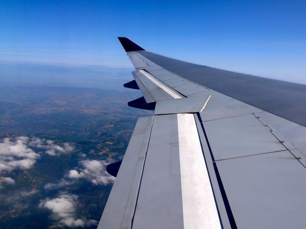 海外旅行のトラブル事例と対策 飛行機遅延キャンセル